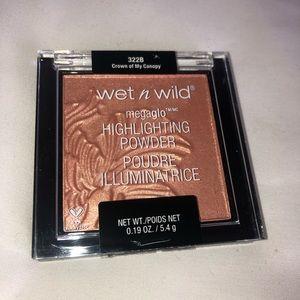 NEW Wet n Wild Megaglo Highlighting Powder